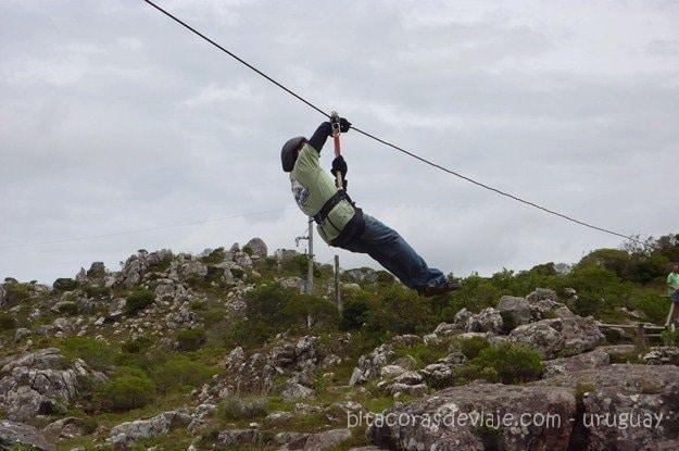 Parque Salto del Penitente volando en canopy