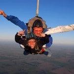 ¡Paracaidismo! – Salto Bautismo en Lobos, Argentina