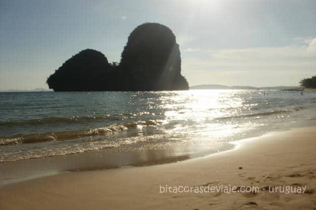 Phra_Nang_Cave_Railay_Ao_Nang_Krabi_Tailandia_3