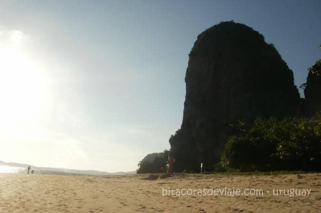 Phra_Nang_Cave_Railay_Ao_Nang_Krabi_Tailandia_6