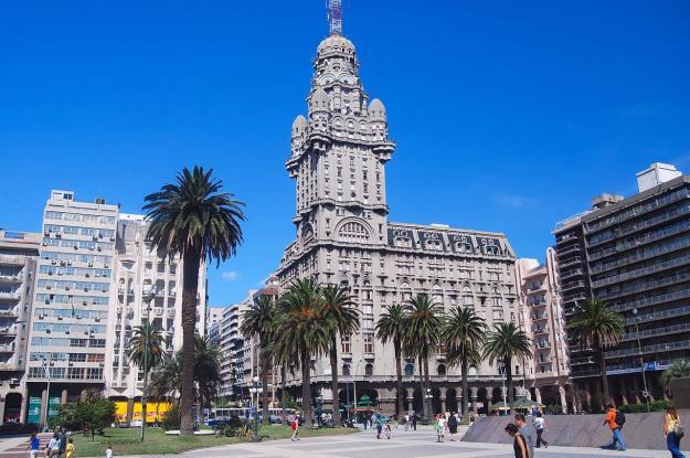 Palacio_Salvo_Montevideo_Uruguay