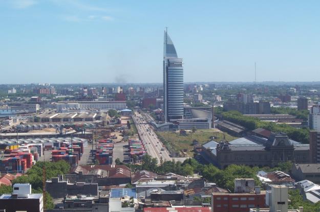 Torre_de_las_Telecominicaciones_Antel_Montevideo_Uruguay