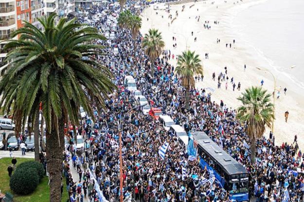 Rambla de Montevideo el día que la selección retornó del Mundial de Sudáfrica 2010