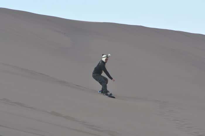 Andresito haciendo Sandboard por primera vez :)