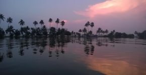 Kerala_Backwaters_1