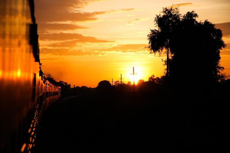 cómo comprar boletos de tren en india