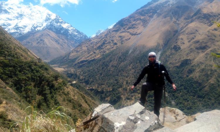 Camino de Salkantay con Humantay de fondo