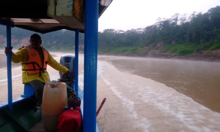 Navegando por el Río Tambopata