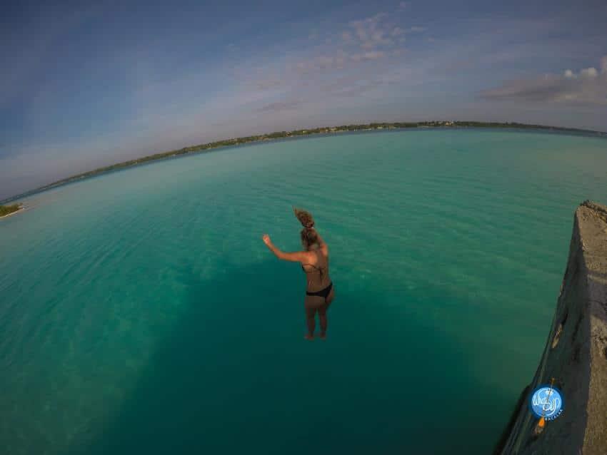 Saltando a la laguna