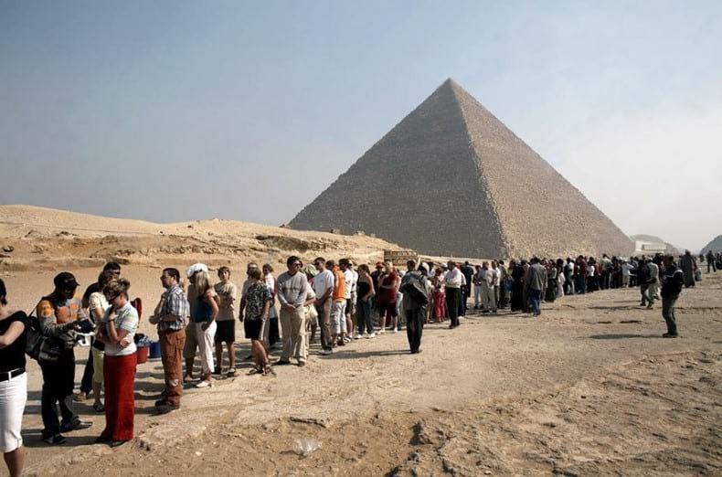 Filas para visitar las pirámides