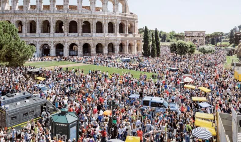 Turismo masivo en el Coliseo