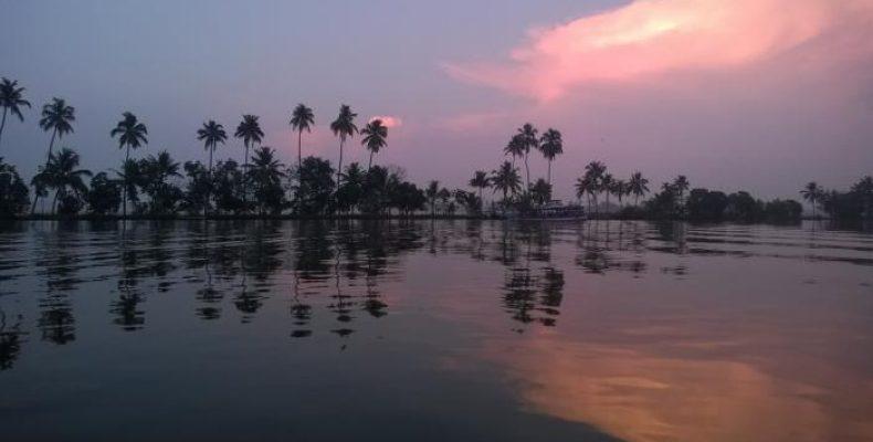 Kerala_Backwaters_1